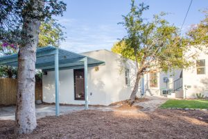 4727 Townsend Ave-3